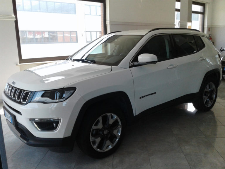 Jeep Compass 2.0 Mjt aut. 4WD Limited FUNCTION PACK, UCONNECT